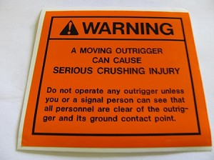 Moving Outrigger Can Cause Serious Injury Decal